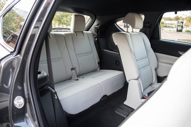 Mazda CX-8 chốt lịch ra mắt Việt Nam, đe doạ Hyundai Santa Fe - Ảnh 3.