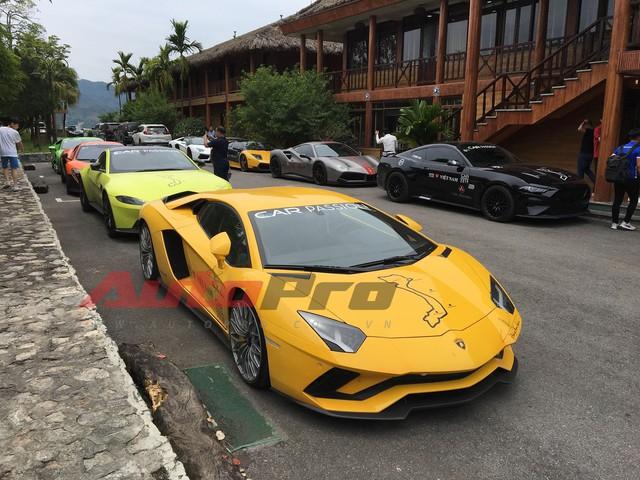 Fanpage Car Passion: Bò Lamborghini Aventador S mất vài chiếc ốc nhỏ sau sự cố gặm cỏ bên đường - Ảnh 6.