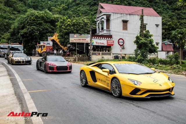 Fanpage Car Passion: Bò Lamborghini Aventador S mất vài chiếc ốc nhỏ sau sự cố gặm cỏ bên đường - Ảnh 4.