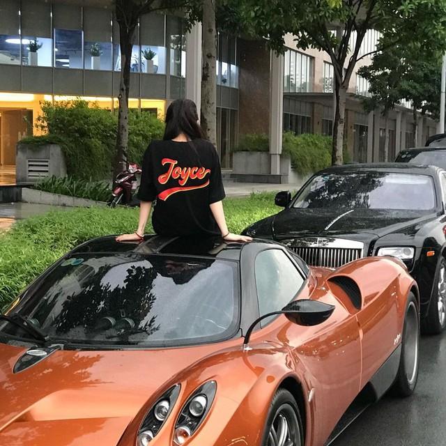 Con gái đầu doanh nhân Phạm Trần Nhật Minh khoe dàn đồ hiệu bên cạnh siêu xe Pagani Huayra đắt nhất Việt Nam - Ảnh 4.