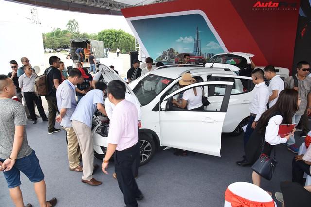 VinFast bàn giao hàng trăm xe Fadil, lập kỷ lục tại Việt Nam - Ảnh 12.