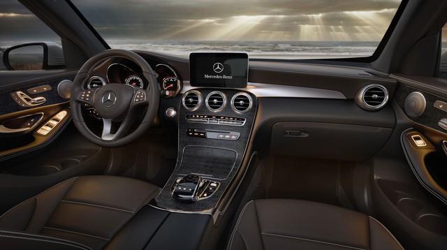 Mua Mercedes-Benz GLC hiện tại hay đợi phiên bản nâng cấp: Bài toán dễ giải của nhà giàu Việt - Ảnh 4.