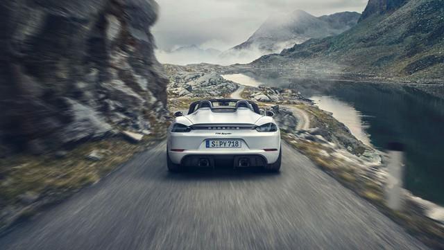 Porsche trình làng 718 Boxster Spyder và Cayman GT4 2020 với động cơ boxer 4.0L mới - Ảnh 3.