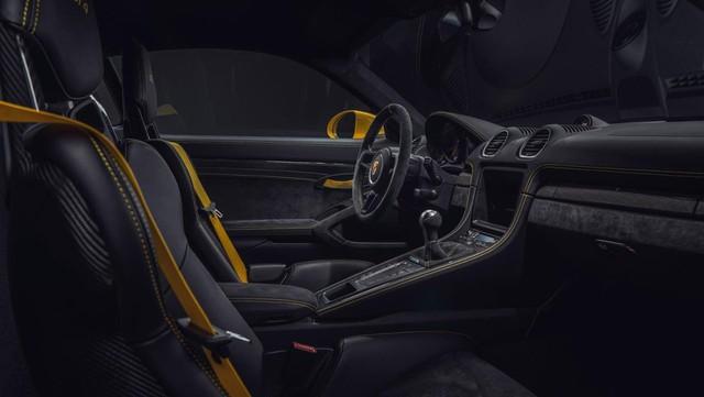 Porsche trình làng 718 Boxster Spyder và Cayman GT4 2020 với động cơ boxer 4.0L mới - Ảnh 9.