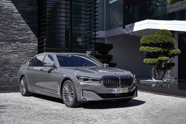 BMW 7-Series đứng trước việc mất đi động cơ V12 đỉnh cao - Ảnh 1.