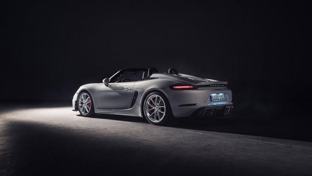 Porsche trình làng 718 Boxster Spyder và Cayman GT4 2020 với động cơ boxer 4.0L mới - Ảnh 2.