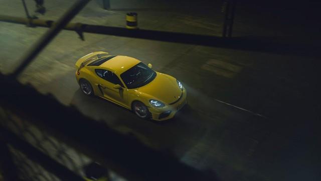 Porsche trình làng 718 Boxster Spyder và Cayman GT4 2020 với động cơ boxer 4.0L mới - Ảnh 7.