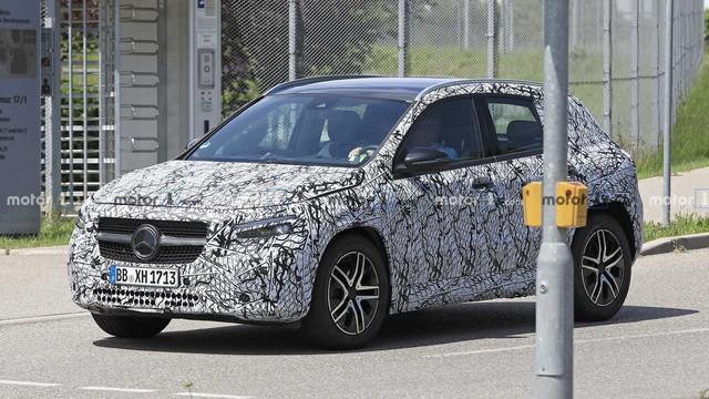 Mercedes-Benz GLA thế hệ mới lộ ảnh chạy thử, dự kiến ra mắt 9/2019 - Ảnh 1.