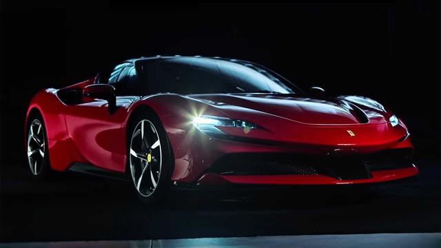Bộ chìa khoá cầu kỳ gồm cả mô hình xe của chủ nhân sở hữu siêu xe triệu đô Ferrari SF90 Stradale - Ảnh 1.