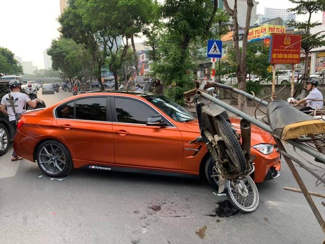 Xe máy chở sắt vụn hôn má BMW 3-Series độ M3 độc đáo - Ảnh 1.
