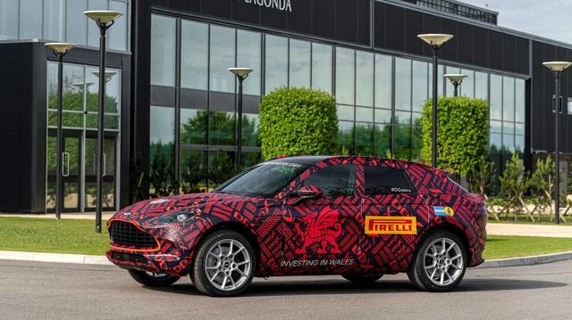 SUV của Aston Martin có thể đi kèm chế độ lái drift