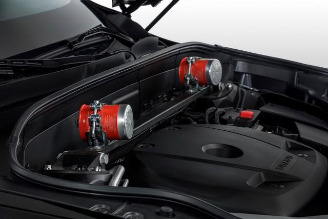 Đã an toàn nhất thế giới, Volvo XC90 giờ còn chống được đạn và thuốc nổ - Ảnh 4.