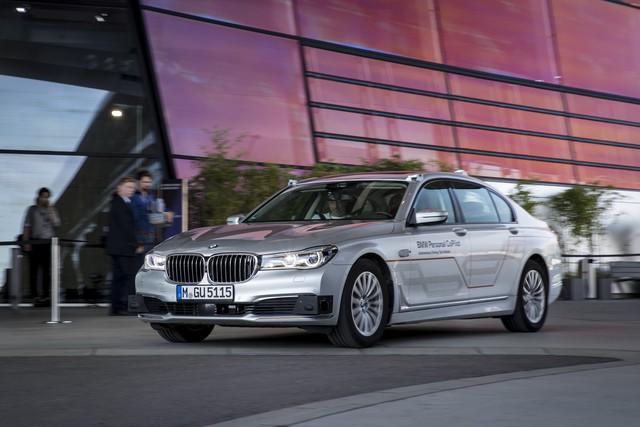 Dùng thử công nghệ tự lái trên BMW 7-Series 2020 - Ảnh 1.