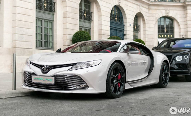 Bugatti Chiron tráo đầu với Toyota Camry: Hợp lý hay báng bổ? - Ảnh 1.