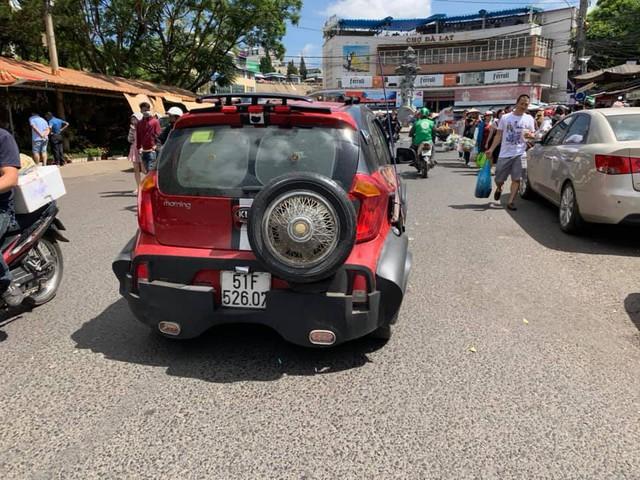 Dân chơi Sài Gòn độ Kia Morning cực dị: thân xe kiểu wide-body, lắp lốp dự phòng SUV - Ảnh 4.
