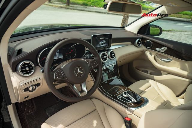 Người dùng đánh giá Mercedes-Benz GLC 200 sau khi 'lỡ duyên' Hyundai Santa Fe: Đừng ham option khi chính mình còn chưa dùng hết - Ảnh 4.