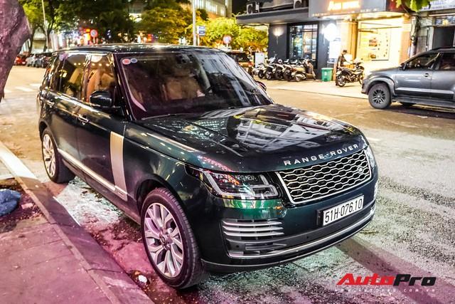 Range Rover Autobiography 2019 màu độc rực rỡ trên đường phố Sài Gòn - Ảnh 6.