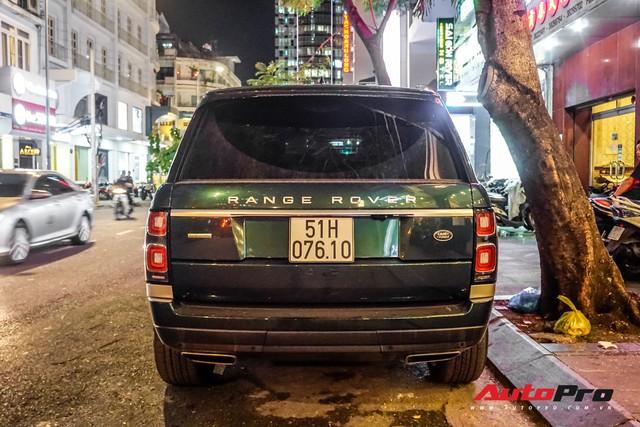 Range Rover Autobiography 2019 màu độc rực rỡ trên đường phố Sài Gòn - Ảnh 9.