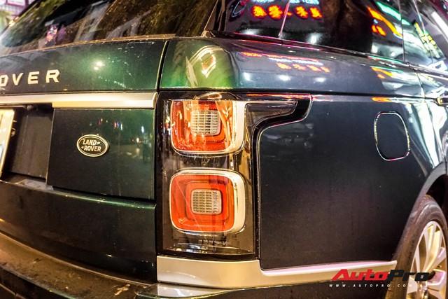 Range Rover Autobiography 2019 màu độc rực rỡ trên đường phố Sài Gòn - Ảnh 10.