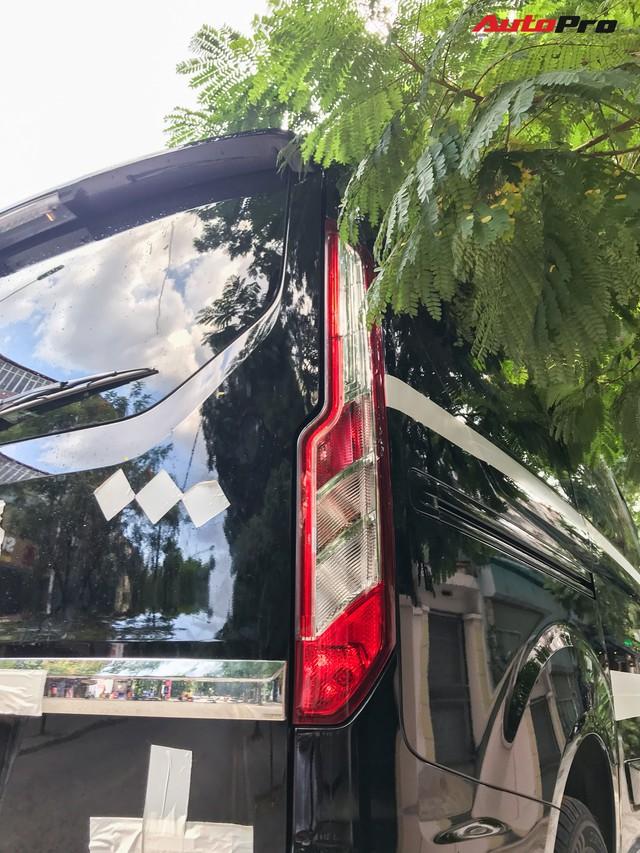 Ford Tourneo bất ngờ xuất hiện trên đường phố Hà Nội, ngày đối đầu Kia Sedona không còn xa - Ảnh 8.