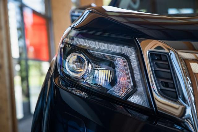 Ra mắt Nissan Navara 2020: Thêm tăng áp để rượt đuổi Ford Ranger - Ảnh 5.