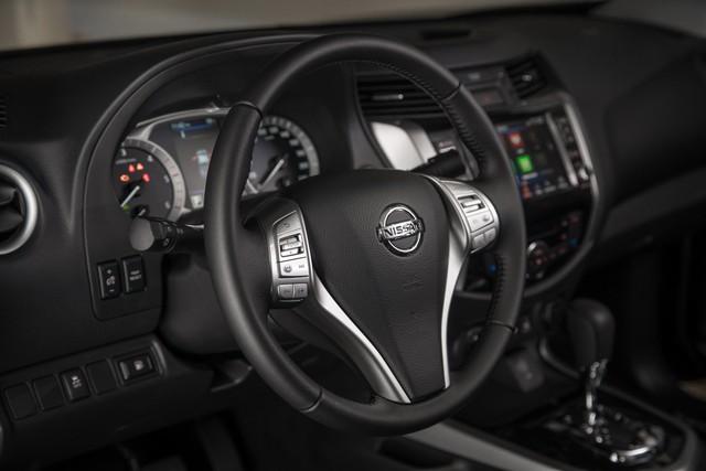 Ra mắt Nissan Navara 2020: Thêm tăng áp để rượt đuổi Ford Ranger - Ảnh 7.