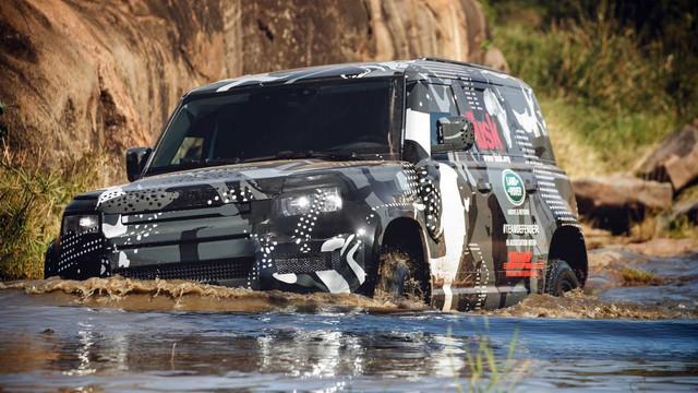 Land Rover tiếp tục nhá hàng Defender, biểu lộ khả năng off-road không thua G-Class - Ảnh 12.