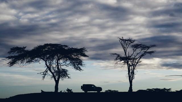 Land Rover tiếp tục nhá hàng Defender, biểu lộ khả năng off-road không thua G-Class - Ảnh 13.