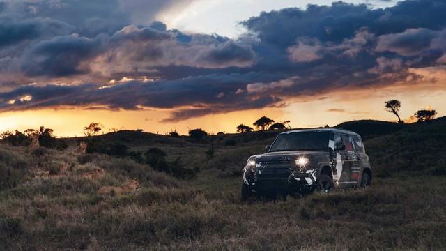 Land Rover tiếp tục nhá hàng Defender, biểu lộ khả năng off-road không thua G-Class - Ảnh 9.