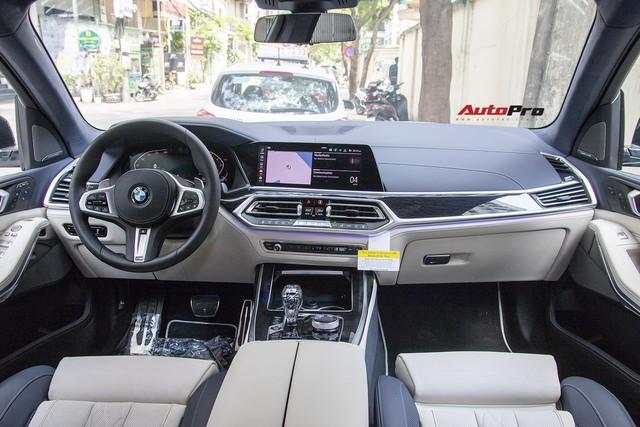 Diện kiến và bóc tách trang bị trên BMW X7 đầu tiên Việt Nam: Có cả tuỳ chọn như xe Rolls-Royce - Ảnh 4.