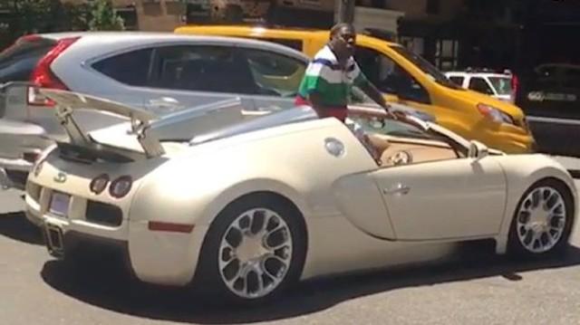 Sao Hollywood mất 250.000 USD chỉ vì vài vết xước trên xe Bugatti sau khi đâm phải Honda CR-V
