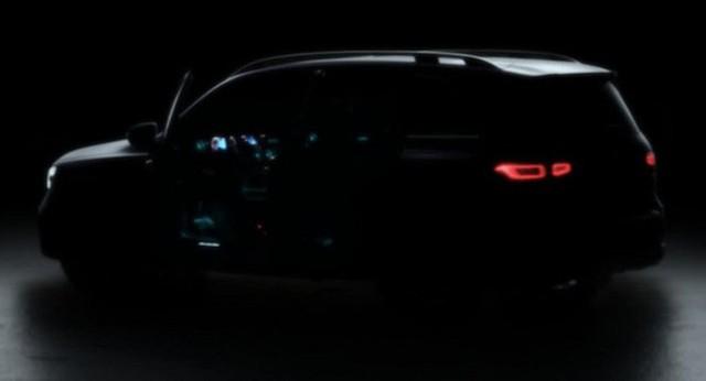 Mercedes-Benz GLB 2020 - Đàn em GLC mang dáng dấp huyền thoại G-Class - Ảnh 2.