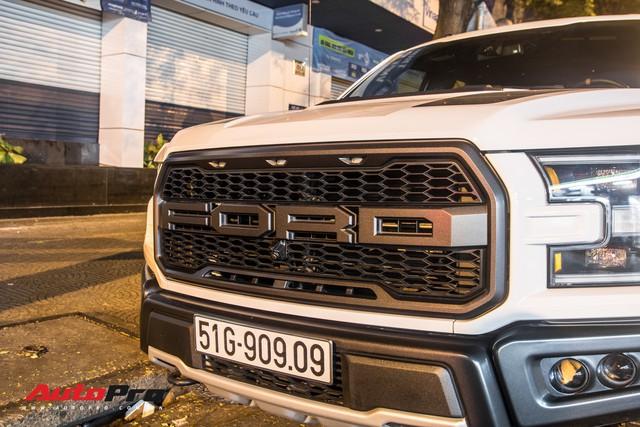 Hàng hiếm Ford F-150 Raptor 2019 mang biển số cặp đáng chú ý - Ảnh 4.