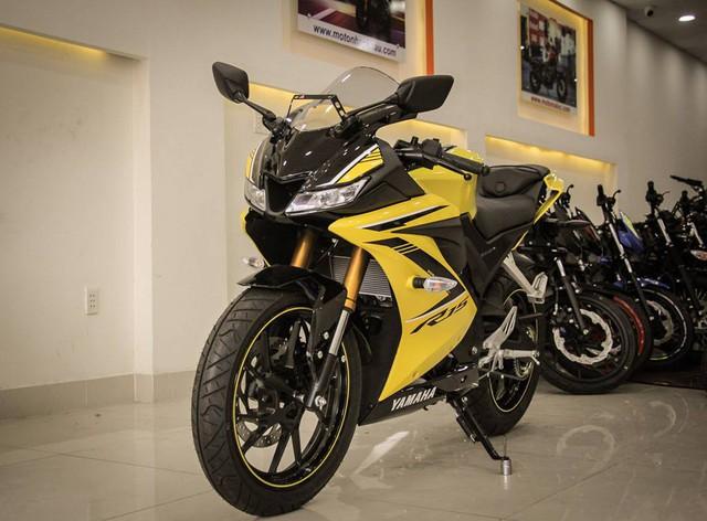Giá Yamaha YZF-R15 chạm đáy mới tại đại lý nhập khẩu tư nhân, về mức 73,5 triệu đồng - Ảnh 1.