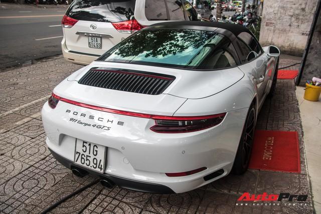 Porsche 911 Targa 4 GTS độc nhất Việt Nam ra biển số trắng Sài Gòn - Ảnh 1.