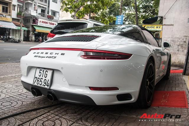 Porsche 911 Targa 4 GTS độc nhất Việt Nam ra biển số trắng Sài Gòn - Ảnh 6.