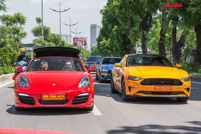 Dàn siêu xe, xe thể thao và xe siêu sang trị giá cả trăm tỷ diễu hành trên phố Hà Nội - Ảnh 1.