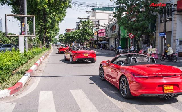 Dàn siêu xe, xe thể thao và xe siêu sang trị giá cả trăm tỷ diễu hành trên phố Hà Nội - Ảnh 9.