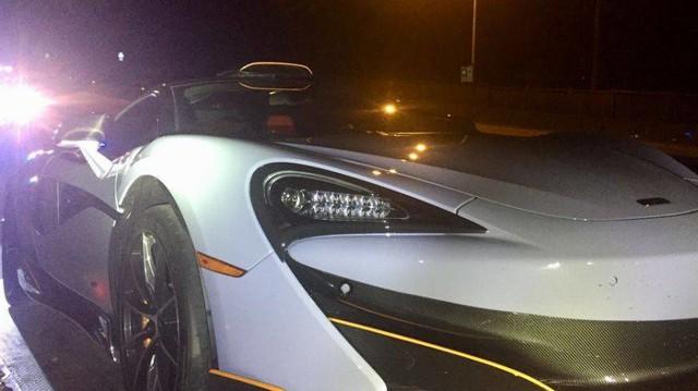 Mới mua McLaren 600LT, chủ xe cay đắng nhìn xế cưng bị tịch thu chỉ sau 10 phút - Ảnh 1.