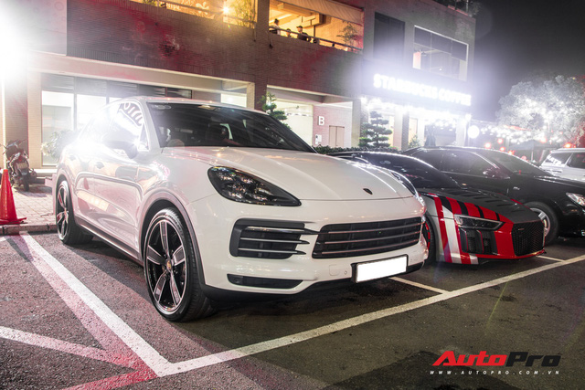 Cường Đô-la đi Porsche Cayenne S mới tậu còn siêu xe Audi R8 V10 Plus nhờ bạn lái hộ - Ảnh 6.