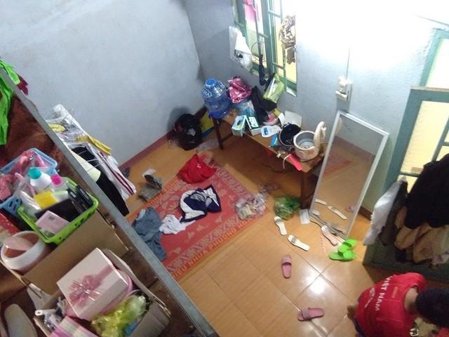 Hình ảnh chiếc Kia Cerato chở ngập đồ khiến người ta sửng sốt về cuộc sống của học sinh nội trú - Ảnh 1.