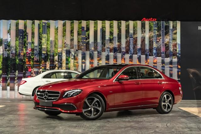 Chi tiết Mercedes-Benz E 200 Sport giá hơn 2,3 tỷ đồng - Chủ lực doanh số xe sang tầm trung tại Việt Nam - Ảnh 1.