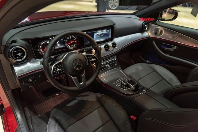 Ra mắt Mercedes-Benz E-Class 2019 giá từ 2,13 tỷ đồng - Bài toán khó giải với BMW 5-Series - Ảnh 3.