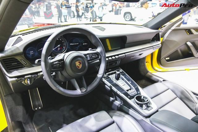 Bộ đôi Porsche 911 thế hệ mới chính thức đặt chân tới Việt Nam - Ảnh 5.