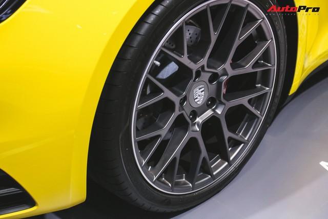 Bộ đôi Porsche 911 thế hệ mới chính thức đặt chân tới Việt Nam - Ảnh 4.