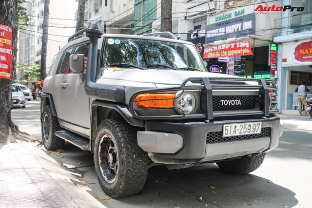 Sau Range Rover, Bentley, Porsche,... doanh nhân Đặng Lê Nguyên Vũ tiếp tục biến tấu hàng hiếm Toyota FJ Cruiser - Ảnh 1.