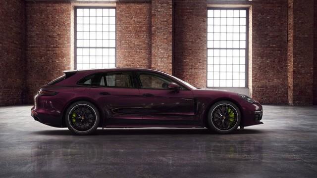 Khó có thể kiếm 2 chiếc Porsche 911 giống nhau trong 1 năm và đây là lý do - Ảnh 1.