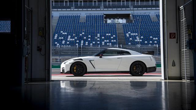 Giám đốc dự án Nissan GT-R: Đến tôi cũng không biết mặt mũi thế hệ mới ra sao!