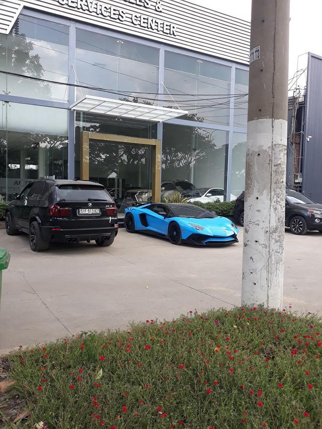 Siêu bò Lamborghini Aventador SV hàng hiếm từng của Phạm Trần Nhật Minh lột xác sang phong cách mới với biển số khác biệt - Ảnh 1.