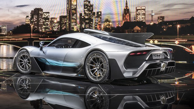 Trang bị động cơ F1 cho xe thường: Nói dễ nhưng làm khó không tưởng - Ảnh 1.